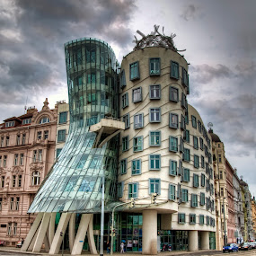 Ginger and Fred by Filippo Bianchi - Buildings & Architecture Other Exteriors ( dancing, ginger, fred, house, praga, praha, prague )