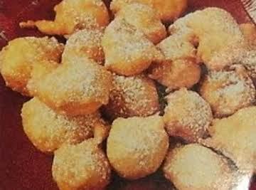 APPLE FRITTERS   Deep Fried