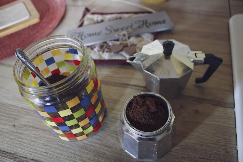 Il bello di stare a casa e avere il tempo di prepararsi un buon caffè  di SimonePiroskyPh