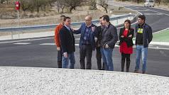 Responsables políticos de la Diputación y el Ayuntamiento en Los Menas.