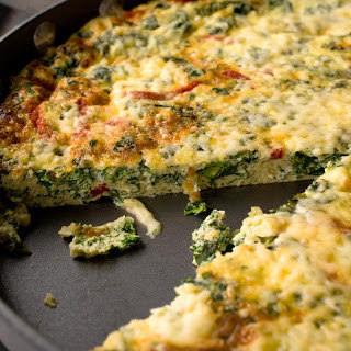 Kale and Roasted Red Pepper Frittata.