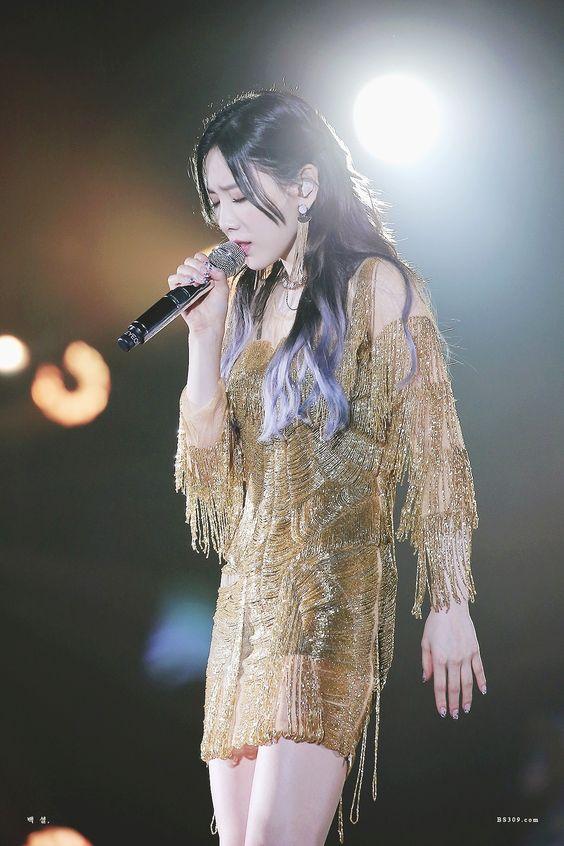 taeyeon shoulder 34