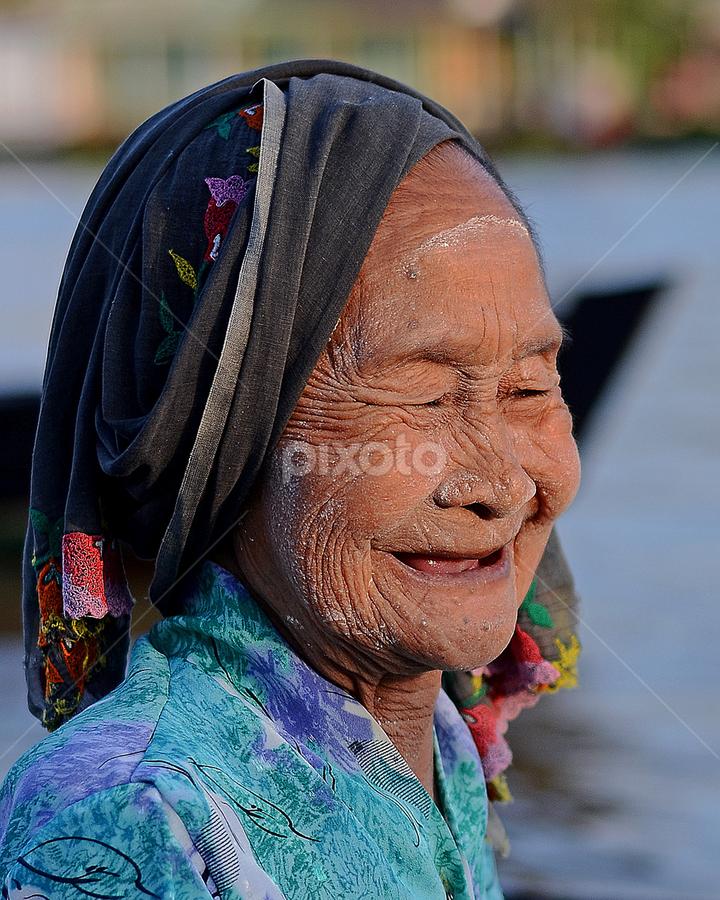 by Lazuardi Normansah - People Portraits of Women