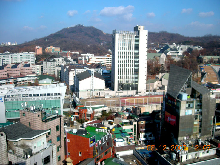 Ansan-si South Korea  city photos gallery : the edae neighborhood with ansan in the background.