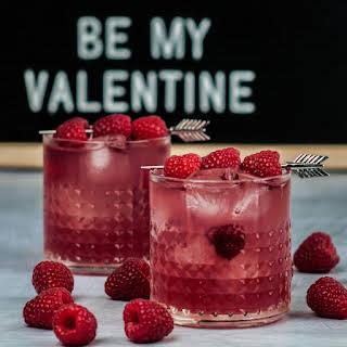 Raspberry Gin Bramble Cocktail.