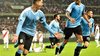 Darwin celebra su primer gol con Uruguay.