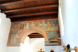 Photo: Kalkmalerriet hvor Asser Rig og fru inge skænker kirken til Herren.