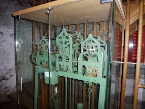 Photo: Uhrwerkmechanik auf halber Höhe im Turm