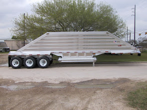 Photo: Wave Tri axle