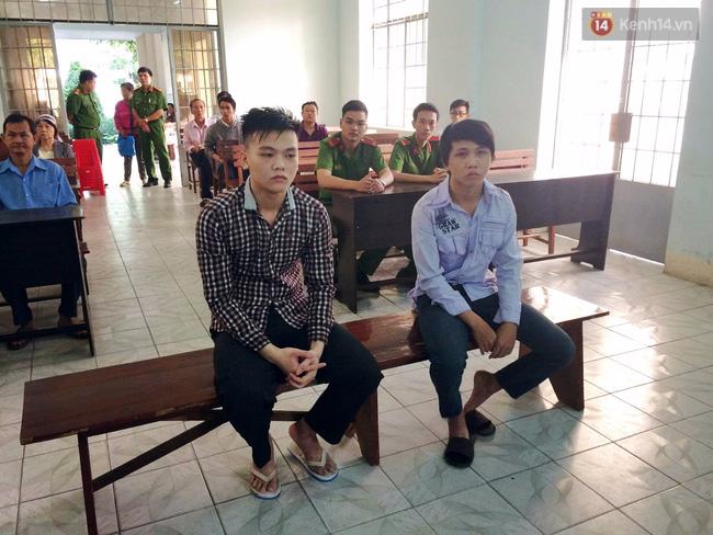 Tòa tuyên phạt hai thanh niên cướp bánh mì 8 - 10 tháng tù - Ảnh 2.