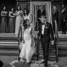Wedding photographer Guy Milnes (CardiffWeddings). Photo of 06.12.2017