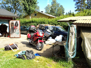 Photo: Hos Marja i Kaanaa fick Paul börja reparera min MC.