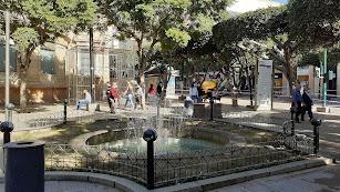 Plaza en el Educador en el corazón de la ciudad.
