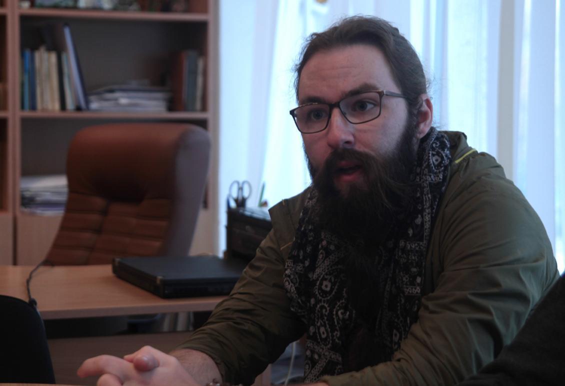 https://mediacenter.uzhnu.edu.ua/live/2019/12/ameryk.jpg
