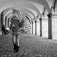Photo: umbrella girl...  #street #streettogs #streetphotography #shootthestreet  #blackandwhite #blackandwhitephotography #bw #monochrome  #monochromeartyclub #monochromephotography