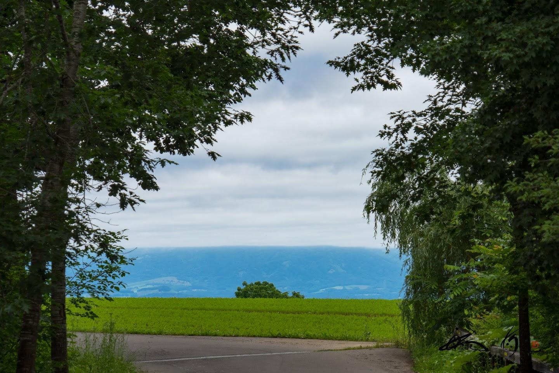ブルーに霞む風景。。。