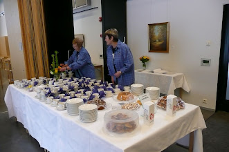 Photo: Kukat ojennukseen, Raili Eronen ja Marjatta Virtanen