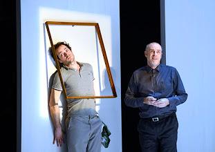 Photo: Wien/ Theater in der Josefstadt: KAFKA - EIN PROJEKT VON ELMAR GOERDEN. Premiere 25.4.2015. Regie: Elmar Goerden. Alexander Absenger, Peter Kremer. Foto: Barbara Zeininger