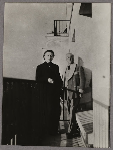 André Breton and Wassily Kandinsky on the balcony of the apartment in Neuilly-sur-Seine