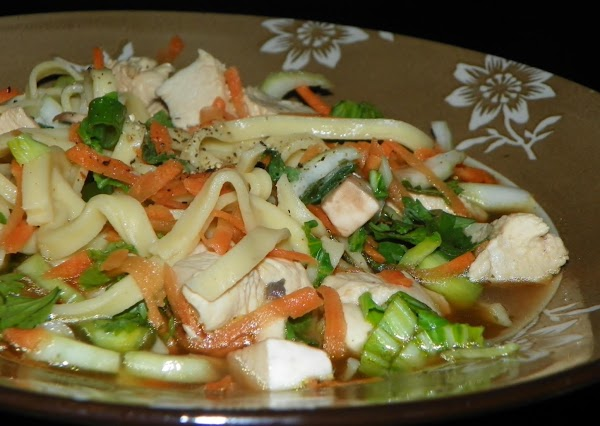 Noodle Bowls With Chicken And Veggies Recipe