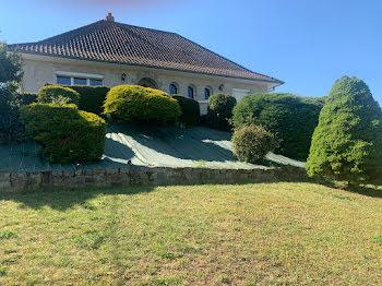 villa à Saint-Rémy-en-Rollat (03)