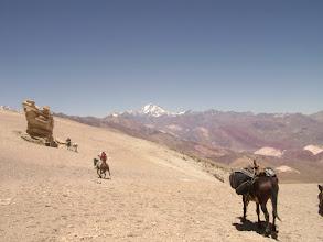 Photo: El Peñón, Cordón del Espinacito, hacia el fondo Cerro Aconcagua