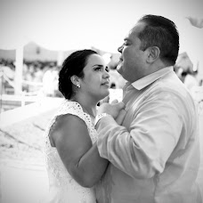 Wedding photographer Angel Ortiz (AngelOrtiz). Photo of 29.09.2014