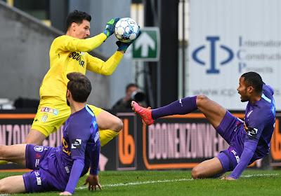 Beerschot boekt belangrijke overwinning tegen Charleroi na twee strafschopdoelpunten van Rapha Holzhauser