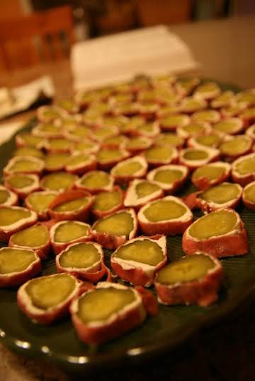 Chipped Beef Pickle Roll Ups