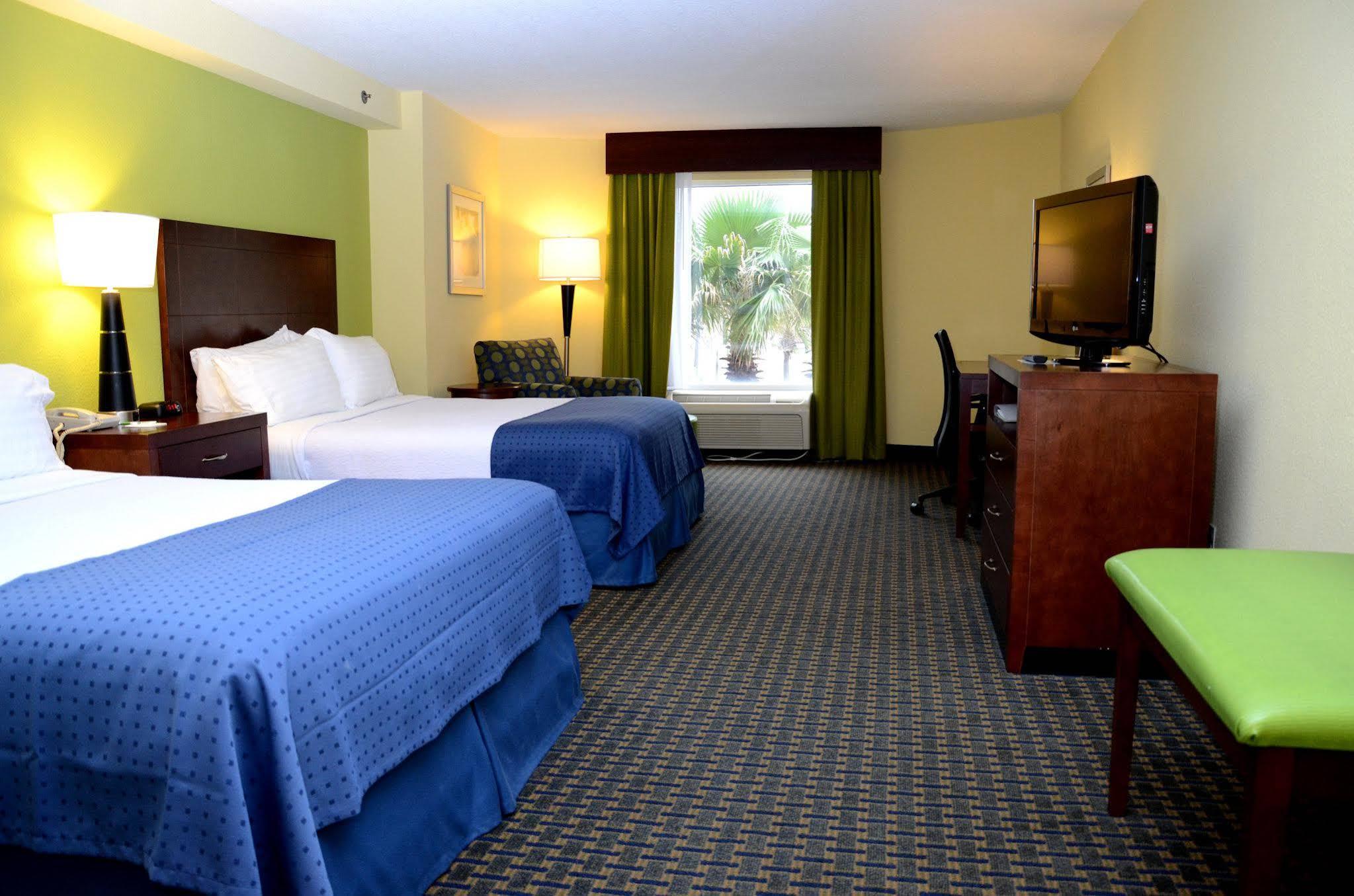 Holiday Inn and Suites Daytona Beach on the Ocean
