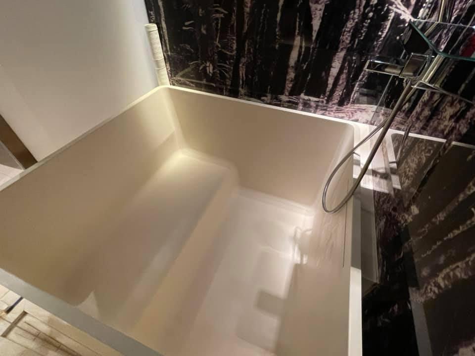 浴缸設計有別於一般酒店,備受網民喜愛
