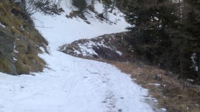 Photo: Na začetku je cesta deloma zasnežena,