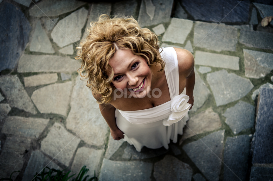 SofiaCamplioniCom (5510) by Sofia Camplioni - Wedding Bride