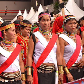 Pawai Budaya Dayak di GBK 27-30 April 2013 by Dwi Ratna Miranti - News & Events World Events