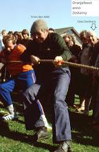 Photo: Oranjefeest; ZESkamp touwtrekken met Frans den Adel. Cees Ekelmans wil wel lachend op de foto.