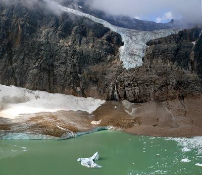 Edith Cavell Gletscher und See