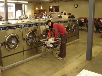 Heidi beim Waschen