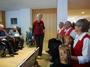 Photo: Begrüssung durch die Chefin der Aktivierung, Frau Anna  Forney