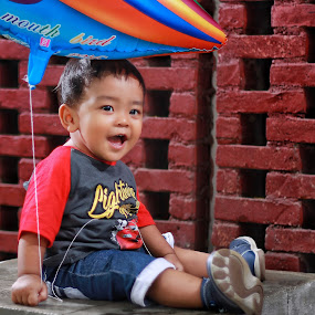 by Mardi Tri Junaedi - Babies & Children Child Portraits ( #baby, #ballon, #playoutside )