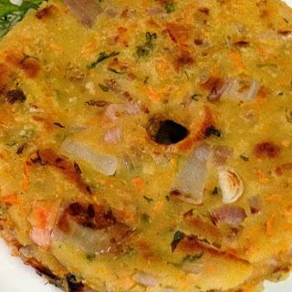 Masala Akki Roti Recipe (Spicy Rice Flour Flatbread Recipe)