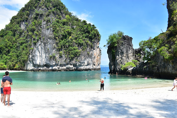 Sightseeing at Koh Hong