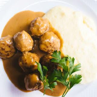 Crock Pot Swedish Meatballs With Sour Cream.