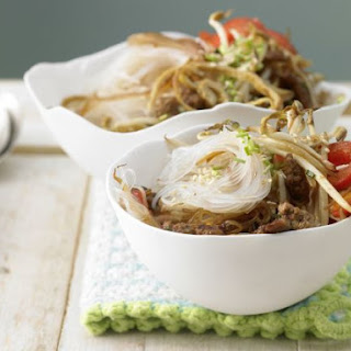 Noodles with Sprouts and Eggs
