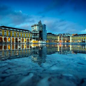 Lisbon's mirror by Paulo Mendonça - Buildings & Architecture Public & Historical