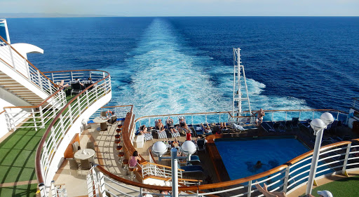 Ruby-Princess-wake.jpg - The pretty wake trailing Ruby Princess.