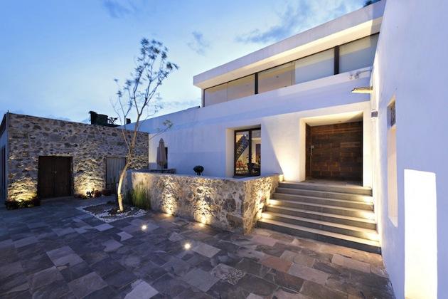 Dosis arquitectura una antigua hacienda convertida en for Casa moderna tipo loft