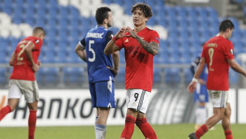 Darwin Núñez celebrando uno de los goles con el Benfica.