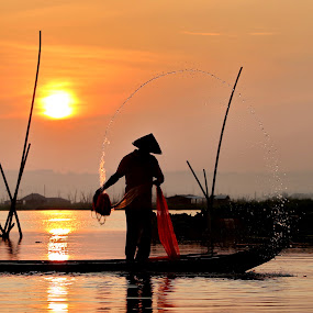 by DODY KUSUMA  - People Street & Candids ( indonesia, java, fisherman, garyfonglandscapes, holiday photo contest, photocontest, color, colors, landscape, portrait, object, filter forge, silhouette,  )