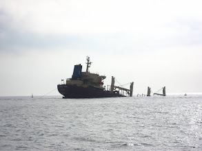 Photo: Kaya'nın önünde batık tanker. Wreck close to the Rock.