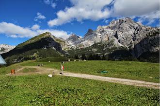 Photo: nei pressi di Malga Movlina con il Massiccio Vallon Padaiola e la Val di Sacco